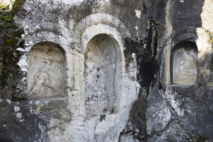 Thermai Thessos Kaplıcaları ve Kaya Heykelleri