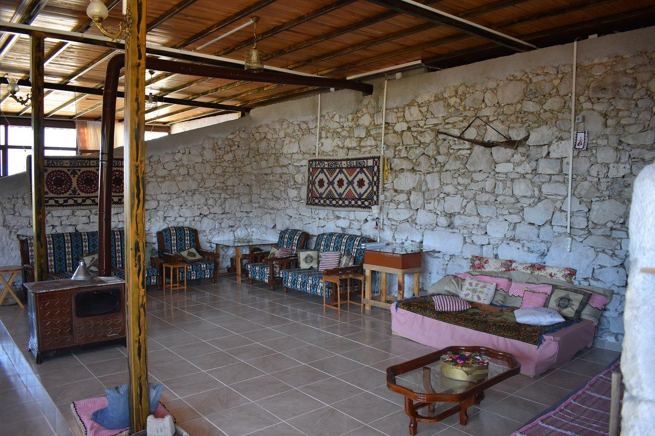 Şato Köy Evi
